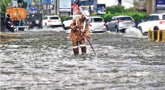 Hyderabad Rain-F6J1JtVlRM.jpg